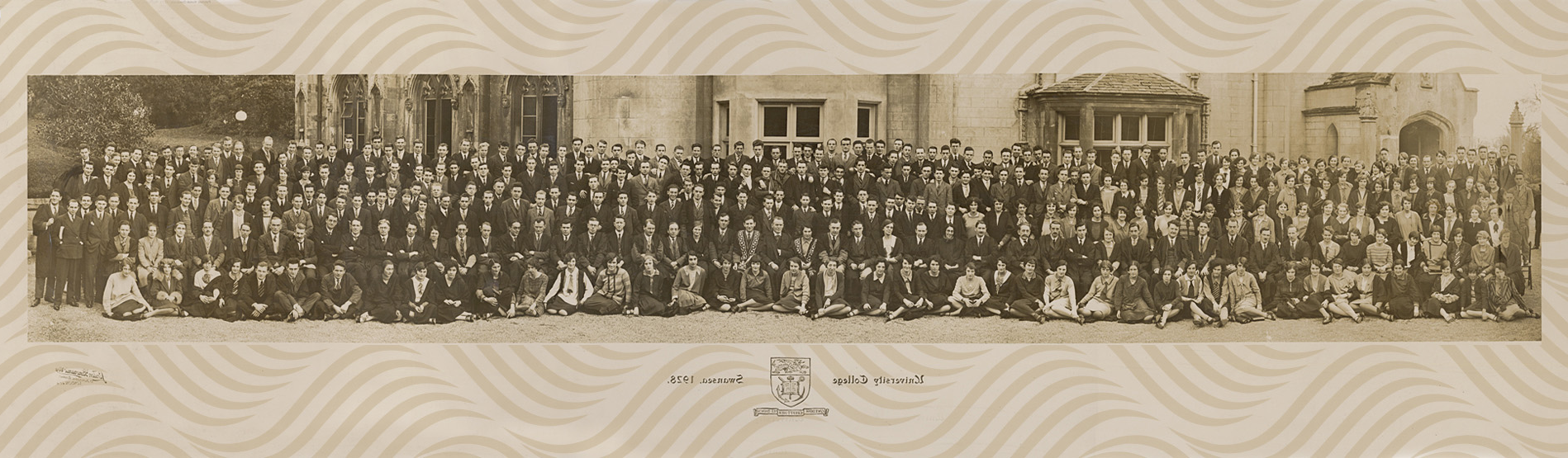 university class photo from 1926 in front of the abbey