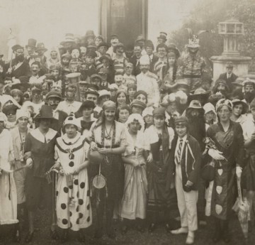 Students in fancy dress for RAG 1922. Courtesy of the Richard Burton Archives, Swansea University (reference: UNI/SU/PC/5/5)